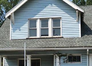 Casa en ejecución hipotecaria in West Haven, CT, 06516,  FOREST RD ID: F4290816