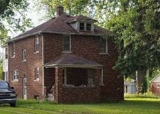 Foreclosed Home en WHITTAKER RD, Ypsilanti, MI - 48197