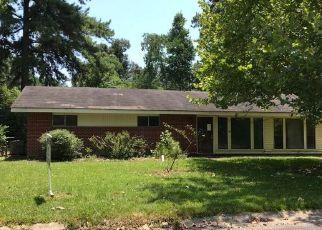 Foreclosed Home in GLENVIEW DR, Deridder, LA - 70634