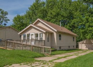 Foreclosed Home in SW 13TH PL, Des Moines, IA - 50315