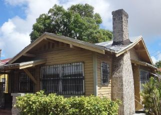 Foreclosed Home en NW 2ND ST, Miami, FL - 33128