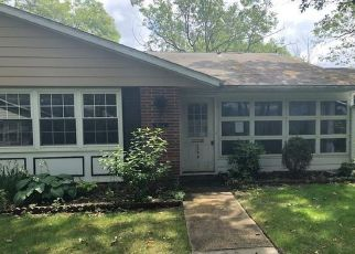 Foreclosed Home in LAKE POINT DR, Lakewood, NJ - 08701