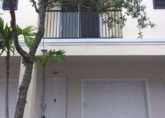Foreclosed Home en SW STEPHANIE WAY, Port Saint Lucie, FL - 34987