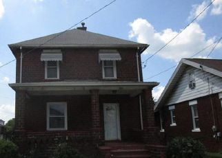 Foreclosed Home en STAMBAUGH AVE, Sharon, PA - 16146