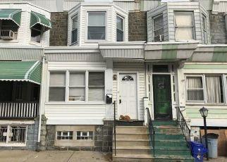 Casa en ejecución hipotecaria in Philadelphia, PA, 19143,  OSAGE AVE ID: F4291038
