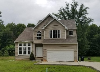 Foreclosed Home in SYKES LN, Williamstown, NJ - 08094