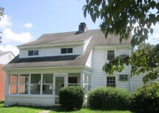 Foreclosed Home en SHELBURNE RD, Springfield, PA - 19064