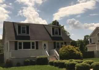 Foreclosed Home in SANFORD RD, Pennsville, NJ - 08070