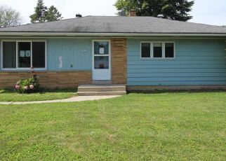 Foreclosed Home in N EDGEWORTH DR, Milwaukee, WI - 53223