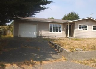 Foreclosed Home in GARFIELD AVE, Coos Bay, OR - 97420