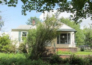 Foreclosed Home en BARTLETT RD, Bedford, OH - 44146