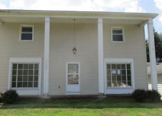 Foreclosed Home en GERALDINE RD, Cleveland, OH - 44143
