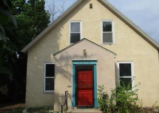 Foreclosed Home en CHICAGO AVE, Minneapolis, MN - 55407