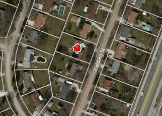 Foreclosed Home en FIELDING ST, Macomb, MI - 48042