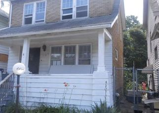 Foreclosed Home en HIGHLAND ST, Detroit, MI - 48206