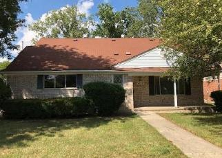 Foreclosed Home in LOCKDALE DR, Sterling Heights, MI - 48310