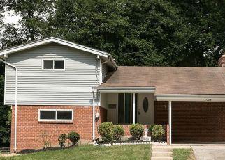 Foreclosed Home en FAIROAK DR, Silver Spring, MD - 20902