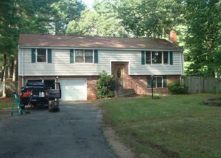Foreclosed Home in RAINBOW RD, Windsor, CT - 06095