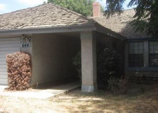 Foreclosed Home en W VASSAR AVE, Visalia, CA - 93277