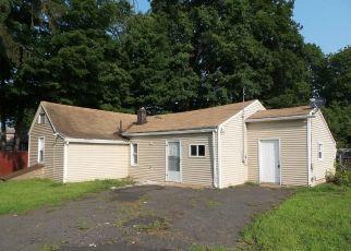Casa en ejecución hipotecaria in East Hartford, CT, 06108,  HANMER ST ID: F4293022