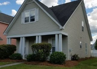 Foreclosed Home en TRILLIUM AVE, Summerville, SC - 29483