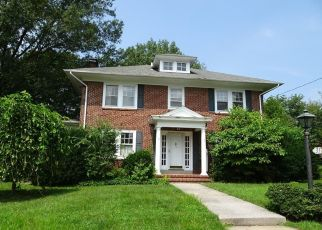 Foreclosed Home en ROSEDALE DR, Pottstown, PA - 19464