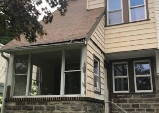 Foreclosed Home en URBAN AVE, Norwood, PA - 19074