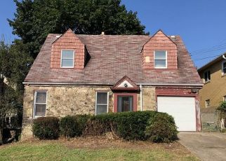 Foreclosed Home en MYER BLVD, Mckeesport, PA - 15132