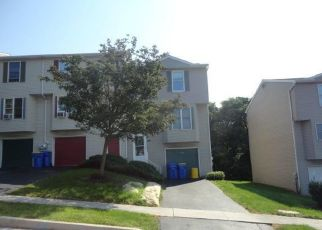 Foreclosed Home en CHARTWOOD DR, Harrisburg, PA - 17111
