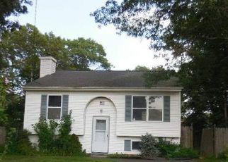 Foreclosed Home en SYRACUSE AVE, Medford, NY - 11763