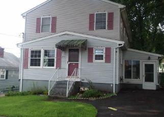 Foreclosed Home in GROSVENOR AVE, Providence, RI - 02904
