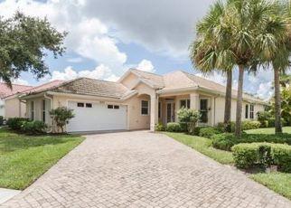 Foreclosed Home en ASHWOOD LN, Naples, FL - 34110
