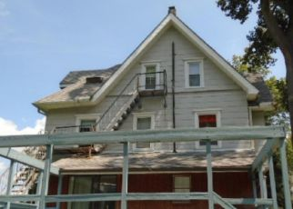 Foreclosed Home en WAVERLY AVE, Morton, PA - 19070