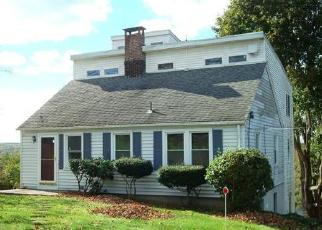 Foreclosed Home en LAUREL HILL RD, Norwich, CT - 06360