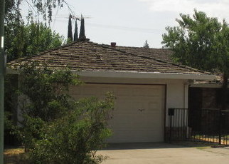 Foreclosed Home en GLORIA DR, Sacramento, CA - 95822