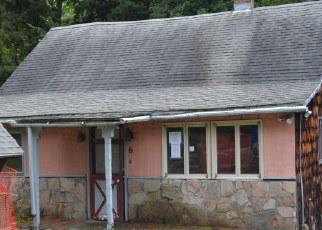 Foreclosed Home en BIRCH RD, Avon, CT - 06001