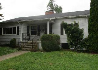 Casa en ejecución hipotecaria in Frankfort, KY, 40601,  BEECHWOOD AVE ID: F4294241