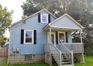 Foreclosed Home en MIDDLE RIVER RD, Middle River, MD - 21220
