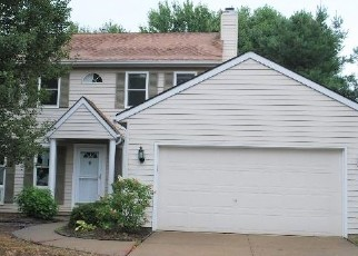 Foreclosed Home en WAINWRIGHT TER, Olmsted Falls, OH - 44138