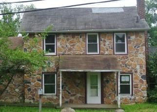 Foreclosed Home en E CHERRY RD, Quakertown, PA - 18951