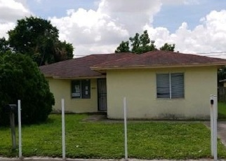 Foreclosed Home en NW 169TH TER, Opa Locka, FL - 33055