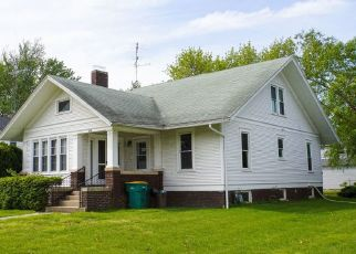 Foreclosed Home in S ELIZABETH ST, Stronghurst, IL - 61480