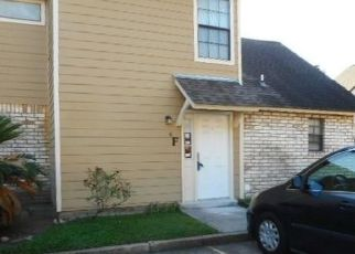 Foreclosed Home in W ESPLANADE AVE, Kenner, LA - 70065