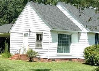 Foreclosed Home en S ROSEMARY AVE, Andrews, SC - 29510