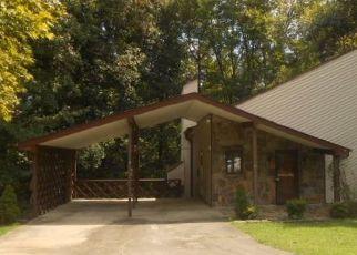 Foreclosed Home en MOWBRAY ARCH, Danville, VA - 24541