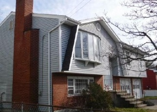 Foreclosed Home en SUNRISE TER, Bridgeport, CT - 06606