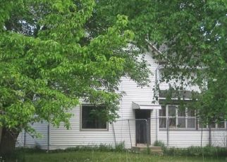 Foreclosed Home in WAGON WHEEL RD, Manitowoc, WI - 54220