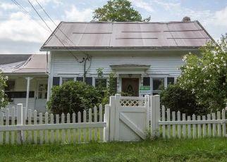 Foreclosed Home in LATEN KNIGHT RD, Cranston, RI - 02921