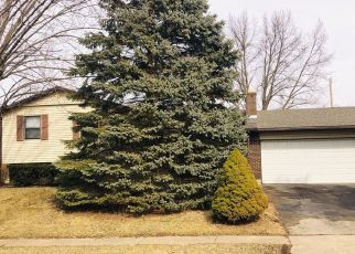 Foreclosed Home en HEATHWOOD DR, Englewood, OH - 45322