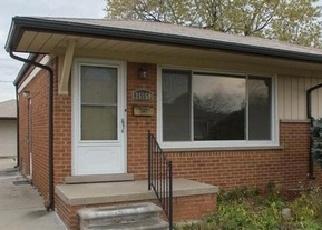 Foreclosed Home en BELLEAIR ST, Roseville, MI - 48066